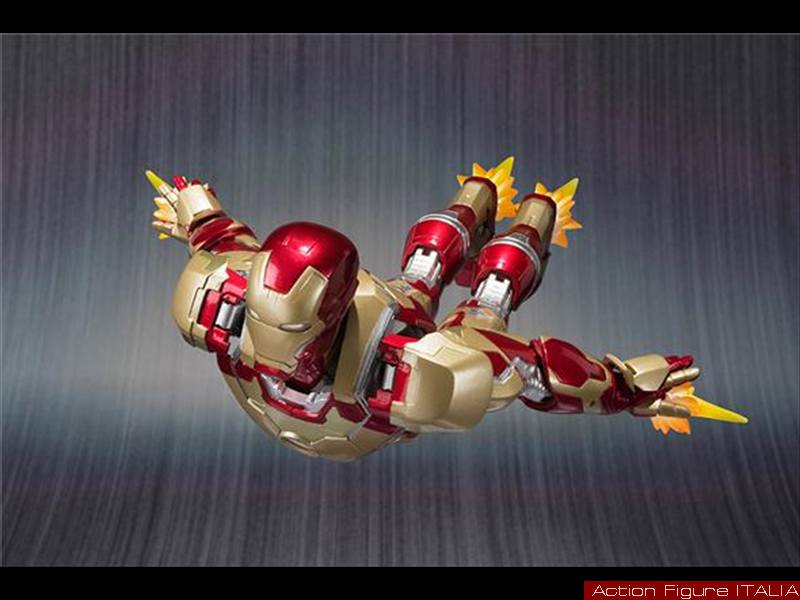 Iron Man in Action_5